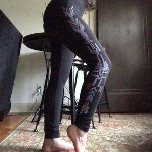 Tribal Pattern Stripe Black Leggings
